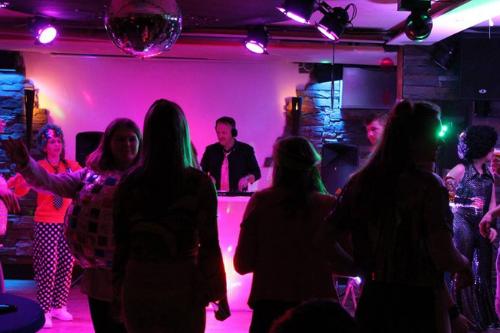 Sfeervolle feestavond organiseren bij De Wilgenweard Nijverdal