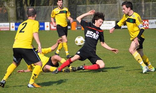 Voetbalkamp bij de Wilgenweard