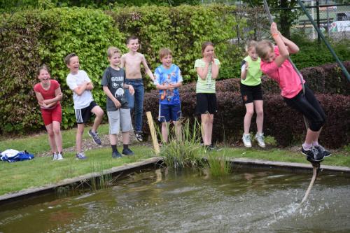 Diverse survival activiteiten in en rond het water als schooluitje of schoolreisje
