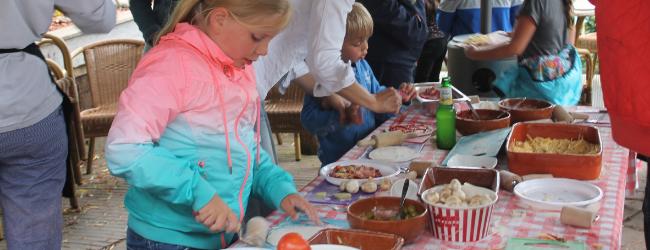 workshop pizza bakken voor familie bij de Wilgenweard